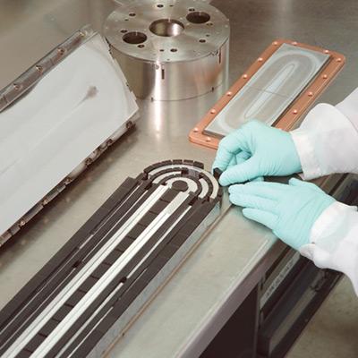 Umbau-, Reparatur- und Nachrüstungsservices für Magnetron-Sputterkathoden